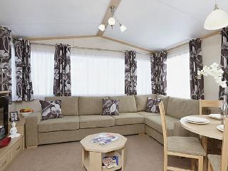Perfect Caravan/mobile home with Internet Access and Swing Set - Slingsby vacation rentals
