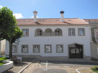 Bright 5 bedroom Manor house in Montemor-o-Novo with Internet Access - Montemor-o-Novo vacation rentals