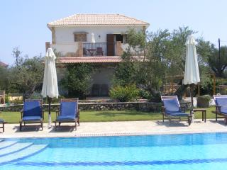 Beautiful 2 bedroom Villa in Kypseli with Internet Access - Kypseli vacation rentals