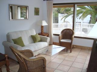 2 bedroom Apartment with Internet Access in Siesta - Siesta vacation rentals