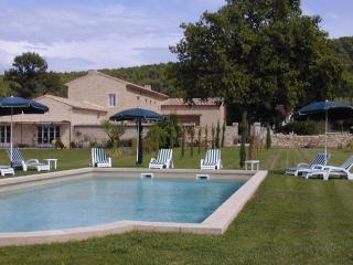 Domaine des Bartavelles situé en Provence, France - Taillades vacation rentals
