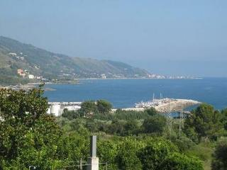 2 bedroom Apartment with Garden in Montecorice - Montecorice vacation rentals