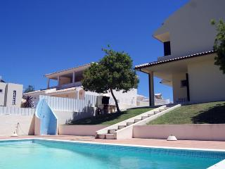 Nice Villa with Dishwasher and Kettle - Olhos de Agua vacation rentals