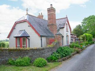 FFOS-Y-TELWR, character house with fire, games room, walled garden, country setting, Cardigan Ref 914538 - Cardigan vacation rentals