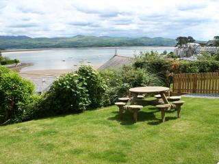 4 bedroom Cottage with Internet Access in Borth-y-Gest - Borth-y-Gest vacation rentals