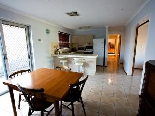 Lovely House with Internet Access and Satellite Or Cable TV - South Fremantle vacation rentals