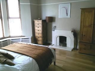 Spacious Townhouse with Satellite Or Cable TV and Television in Portstewart - Portstewart vacation rentals