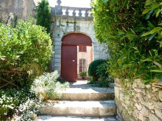 Nice House with Satellite Or Cable TV and Outdoor Dining Area - Simiane-la-Rotonde vacation rentals
