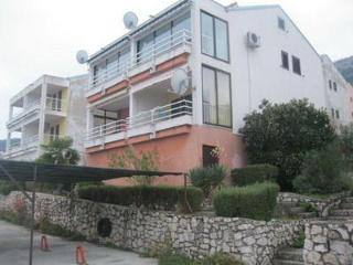 Private suites Ravni 6183 1-room-suite - Ravni vacation rentals