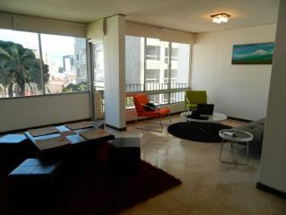 ITSA HOME - Casa del Parque apt 7B - Quito vacation rentals