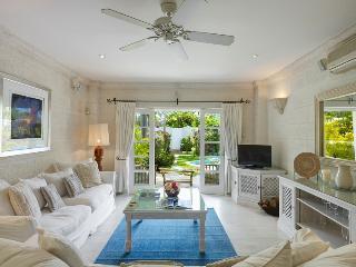 *WONDERFUL RATES - PLEASE ASK* Jasmine at Mullins Bay - 2 min walk to beach - Mullins vacation rentals