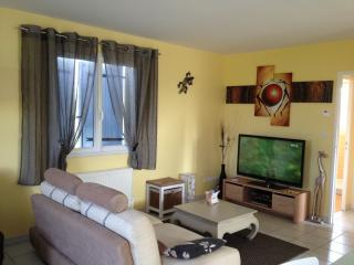 Romantic 1 bedroom Isere Gite with Internet Access - Isere vacation rentals