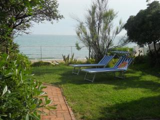 Villino sulla Spiaggia, Home by the Sea - Salto di Fondi vacation rentals