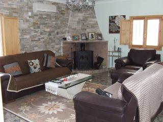 Beautiful 3 bedroom Chateau in Turis - Turis vacation rentals