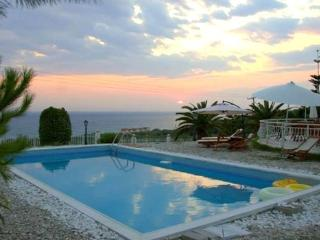Nice Villa with Internet Access and Grill - Preveza vacation rentals