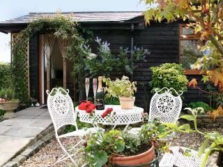 Comfortable Bungalow with Internet Access and Outdoor Dining Area - Bilsborrow vacation rentals