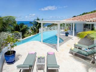 Villa prana, is a deluxe and spacious 4 bedroom villa located in Dawn Beach - Saint Martin-Sint Maarten vacation rentals