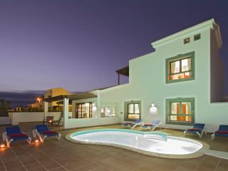 Wonderful 3 bedroom Playa Blanca Villa with Internet Access - Playa Blanca vacation rentals