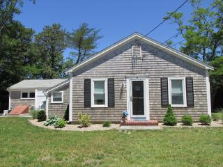3 bedroom House with Deck in East Orleans - East Orleans vacation rentals