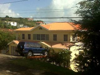 cummin up House 3 bedroom upper appartment - South Coast vacation rentals