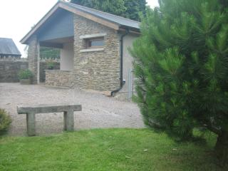 Bright Llantrisant Studio rental with Television - Llantrisant vacation rentals