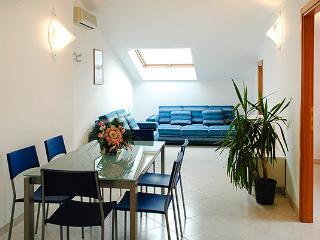 Appartamenti Palmaria-Trilocale a 100 mt dal mare - Diano Marina vacation rentals