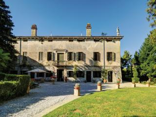 MAISON LA SERENELLA IN VALPOLICELLA - San Pietro in Cariano vacation rentals