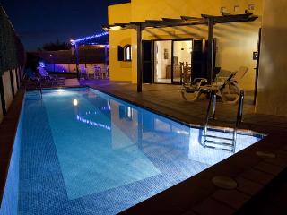 Charming Villa with Satellite Or Cable TV and Television in Corralejo - Corralejo vacation rentals