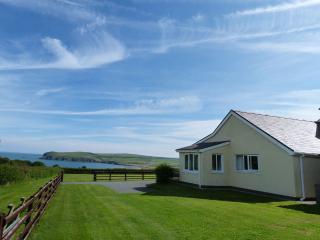 Bwthyn Trefdraeth with Stunning Sea Views 41759 - Newport vacation rentals
