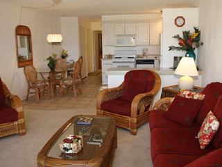Romantic 1 bedroom Condo in Ualapue with Internet Access - Ualapue vacation rentals