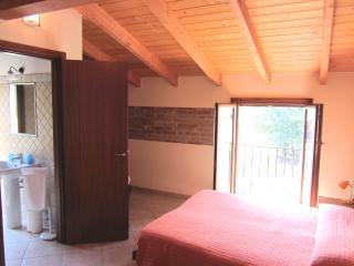 4 bedroom B&B with Internet Access in Dozza - Dozza vacation rentals