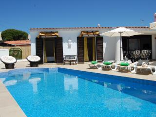 Villa 2, cozy on Oura beach, Albufeira - Albufeira vacation rentals
