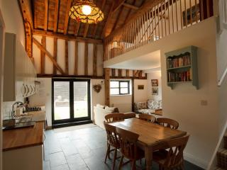 Swift Barn- luxury barn with gym & spa - Burnham-on-Crouch vacation rentals