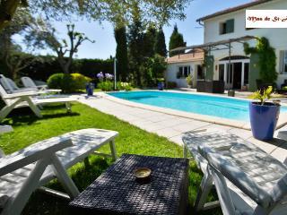 Mas de St-Andiol: Les Platanes - Noves vacation rentals