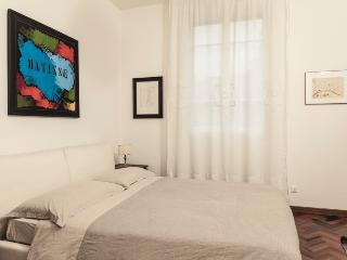 Bed & Breakfast in palazzo storico con vista torri - Bologna vacation rentals