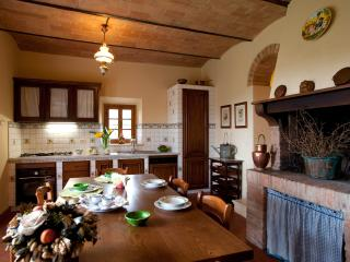 Gli Spillocchi-Casa Il Glicine - Gambassi Terme vacation rentals