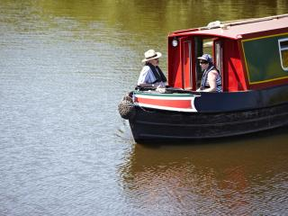 Nice Narrowboat with Internet Access and Television - Worcester vacation rentals
