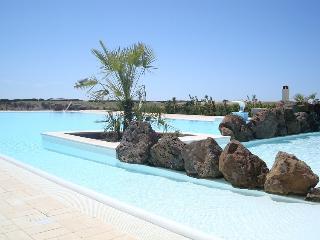 COUNTRY RESORT CAPO NIEDDU - Oristano vacation rentals
