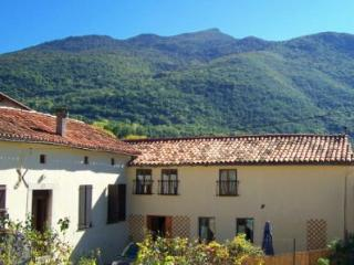 Comfortable 2 bedroom Gite in Bagneres-de-Luchon - Bagneres-de-Luchon vacation rentals