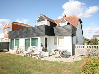 4 bedroom House with Internet Access in East Wittering - East Wittering vacation rentals