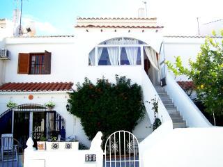 Comfortable 2 bedroom Air-Con Close to the Beach - Pilar de la Horadada vacation rentals
