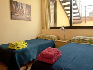 PARC GUELL, SUNNY, RENEWED - Barcelona vacation rentals