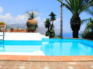 PANORAMIC APARTMENT with pool and view - Taormina vacation rentals