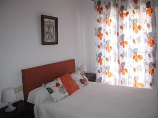 Bright 3 bedroom Rota Condo with Dishwasher - Rota vacation rentals