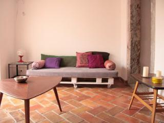 Beautiful apartment with lovely patio and great view - Lisbon vacation rentals