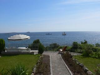 Romantic 1 bedroom Condo in Sassnitz - Sassnitz vacation rentals