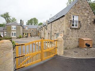 Comfortable 2 bedroom Lanark Cottage with Internet Access - Lanark vacation rentals