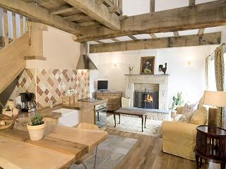 2 bedroom Cottage with Internet Access in Lanark - Lanark vacation rentals