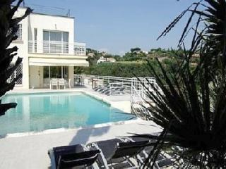 Villa Alamp - Golfe-Juan Vallauris vacation rentals