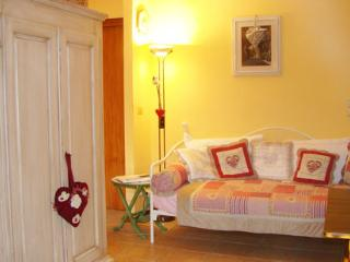 Bed Acqua Cheta apartment - Bardolino vacation rentals